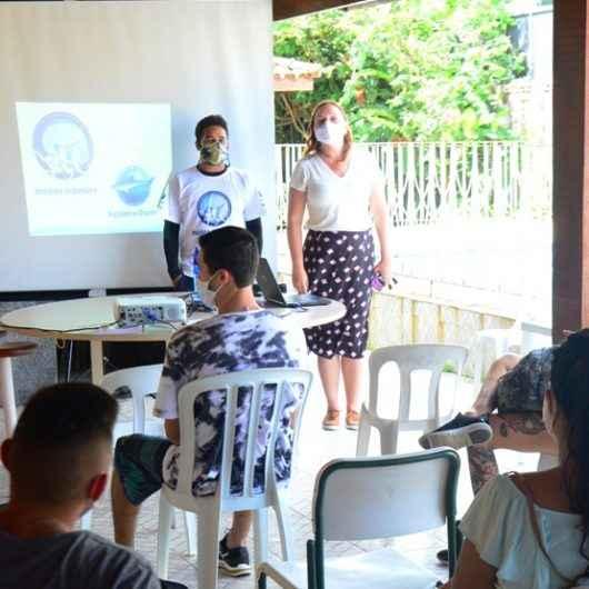 Monitores do projeto 'Verão no Clima' passam por treinamento
