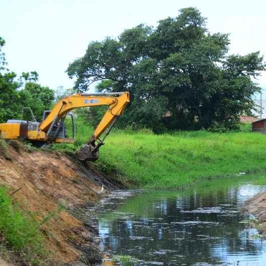 Prefeitura continua com força tarefa de limpeza de rios e córregos no Pegorelli