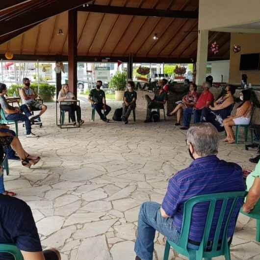Integrantes do Comtur avaliam programa de ação para turismo de Caraguatatuba