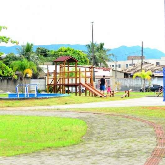Prefeitura conclui obras de revitalização de praça no Pontal Santamarina