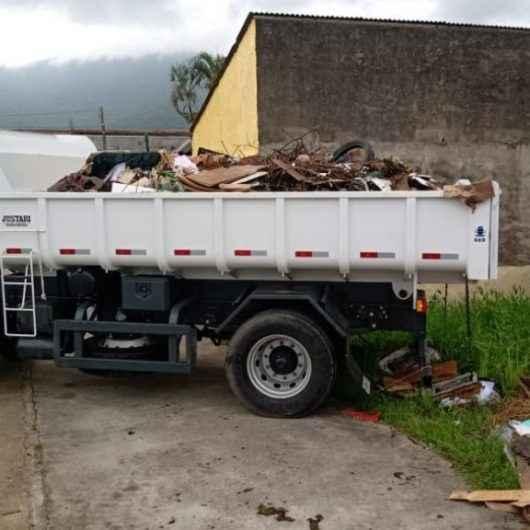 Prefeitura realiza mutirão de limpeza e desassoreamento de valas na Região Sul