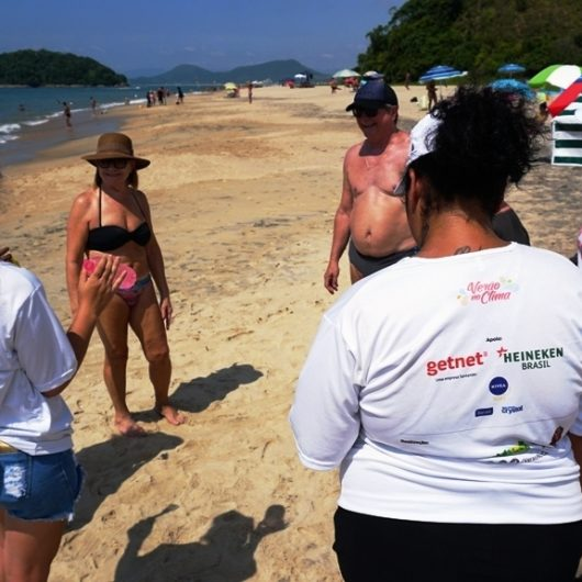 Monitores selecionados para o projeto 'Verão no Clima' iniciam treinamento em Caraguatatuba