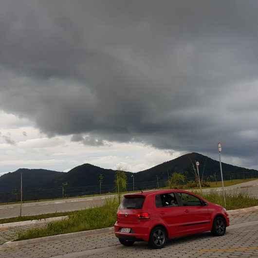 Defesa Civil alerta para risco de chuvas fortes até quinta (18)