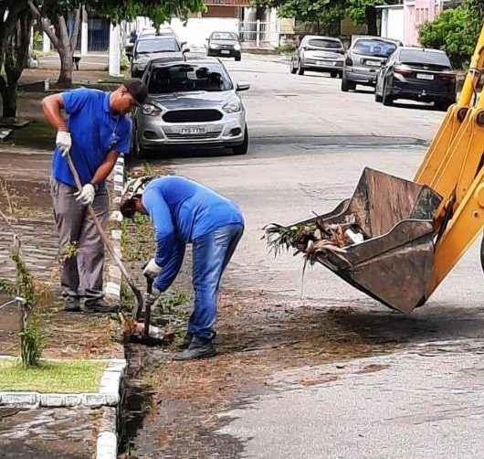 Secretaria de Serviços Públicos faz recolha de resíduos nos bairros Indaiá e Jardim Aruan