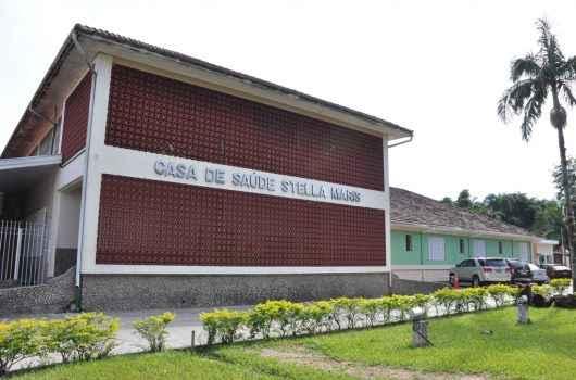 Aguilar Junior anuncia abertura de mais 10 leitos de UTI na Santa Casa e adequação de atividades econômicas