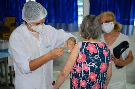 Prefeitura de Caraguatatuba inicia vacinação contra Covid-19 para idosos de 80 a 84 anos a partir de segunda-feira (1)