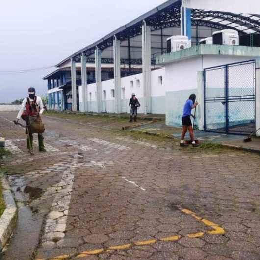 CEMUG recebe limpeza e roçada da Secretaria de Serviços Públicos
