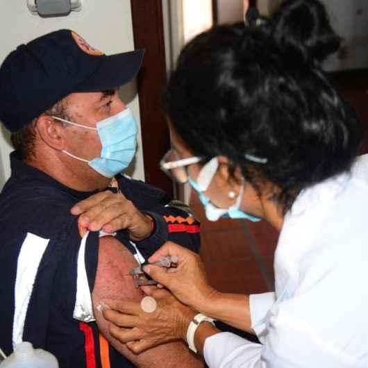 Caraguatatuba inicia aplicação da segunda dose da vacina contra Covid-19 para profissionais da linha de frente