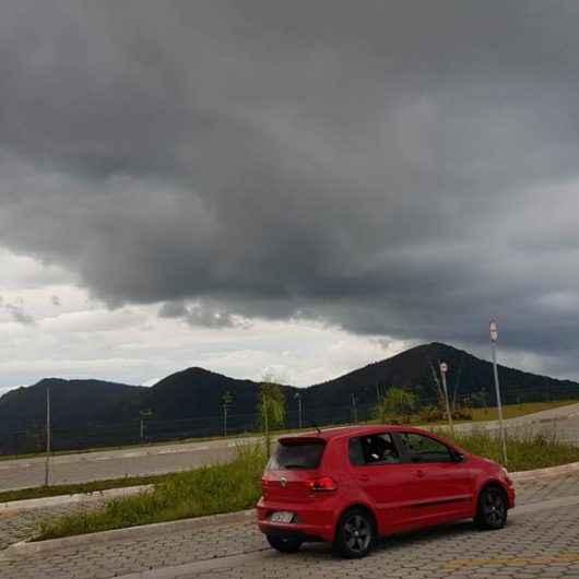 Chuvas em fevereiro ultrapassam média mensal em 14% em Caraguatatuba; Defesa Civil faz novo alerta