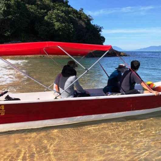Prefeitura de Caraguatatuba flagra passeio irregular à Ilha do Tamanduá e notifica marinheiro