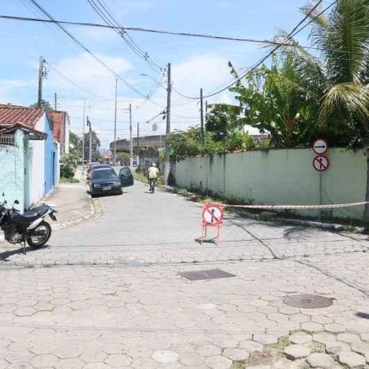 Prefeitura de Caraguatatuba muda mão de direção para melhorar tráfego em rotatória da Ponte Seca