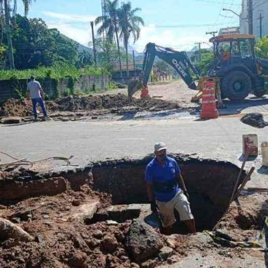 Prefeitura de Caraguatatuba amplia rede de drenagem no Jardim Gardem Mar
