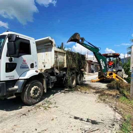 Caraguatatuba retira por mês 5 mil toneladas de resíduos das vias públicas
