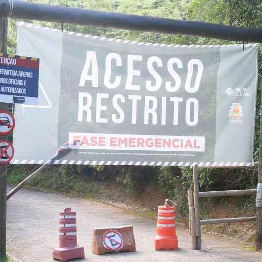 Vândalos destroem portão de entrada do Morro Santo Antonio para subir com veículos