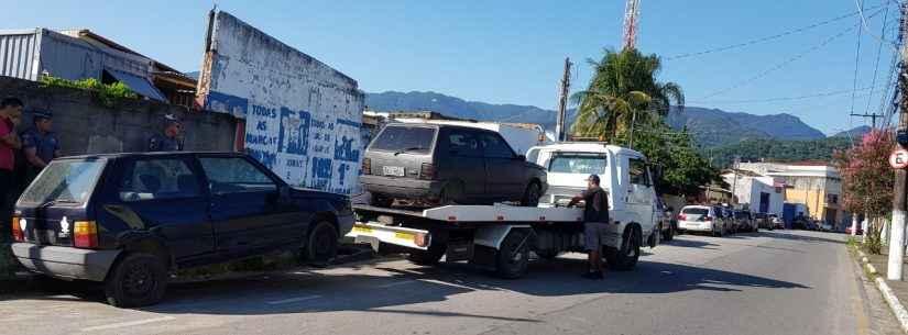 Retirada de carros abandonados em vias públicas de Caraguatatuba aumenta 61%  no mês de março