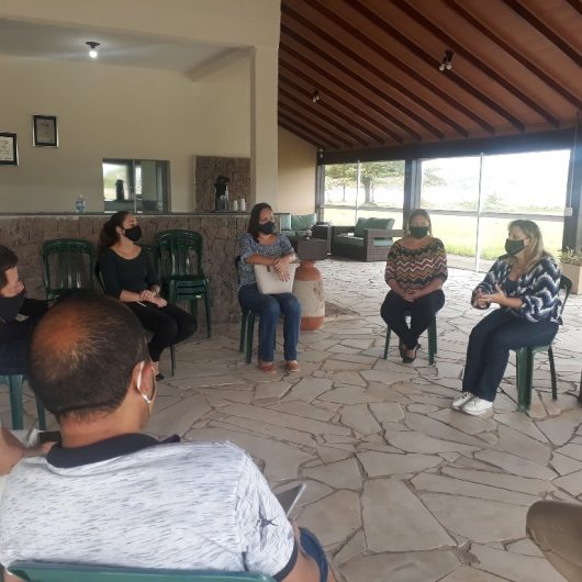 Comissão inicia revisão do Plano Diretor de Turismo de Caraguatatuba