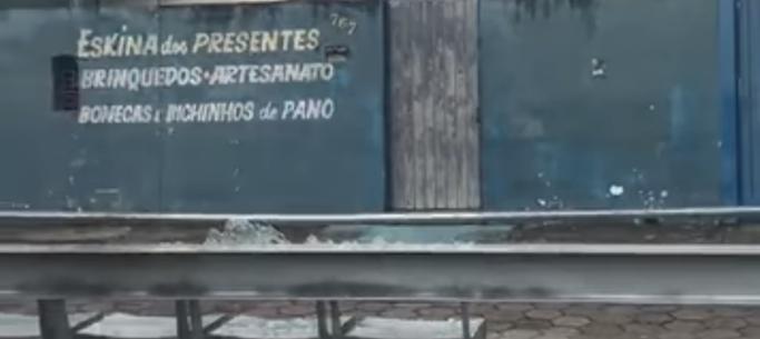 Jovem se compromete a ressarcir Prefeitura de Caraguatatuba após depredar abrigo de ônibus