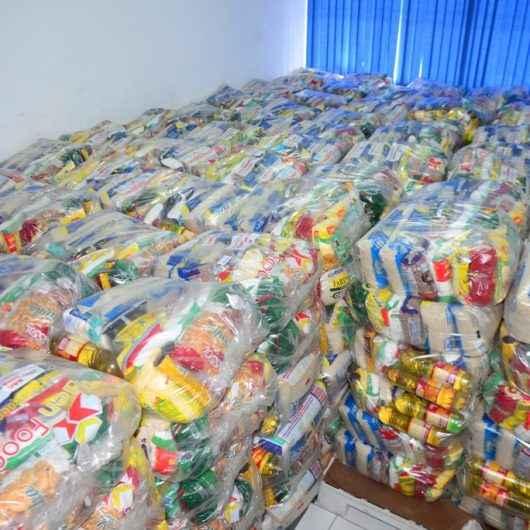 Prefeitura de Caraguatatuba continua distribuição de cestas básicas às famílias acompanhadas nos CRAS
