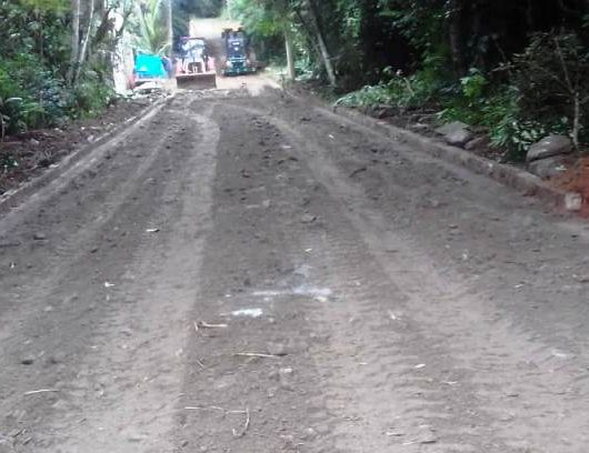 Balneário Gardemar recebe nivelamento com bica corrida