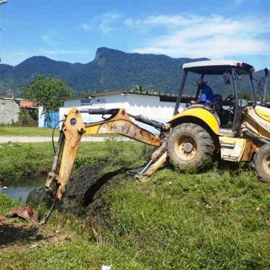 Secretaria de Serviços Públicos de Caraguatatuba faz manutenção por toda cidade