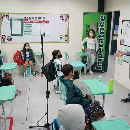 Prefeitura de Caraguatatuba leva discussão sobre questões urbanísticas e ambientais para sala de aula