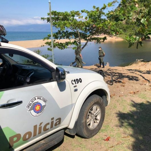 Prefeitura de Caraguatatuba e PM remove acampamento irregular na Lagoa Azul