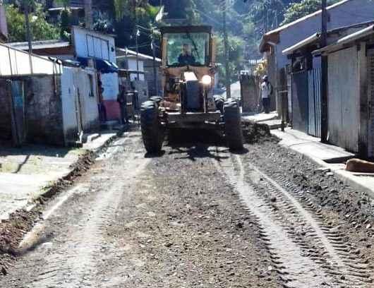 Prefeitura de Caraguatatuba realiza limpeza e perenização no bairro Jardim Santa Rosa, região norte da cidade