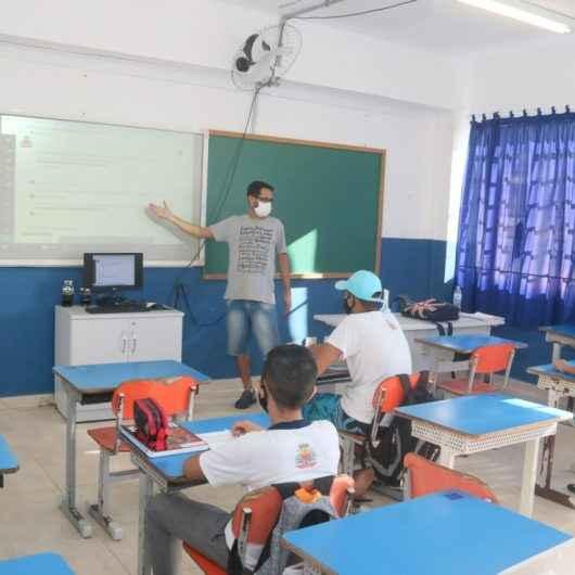Caraguatatuba iniciou nesta segunda (10), as aulas presenciais na rede municipal ensino