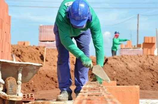 Construção Civil: Prefeitura de Caraguatatuba acelera aprovação de projetos, mantém o setor aquecido e gera empregos