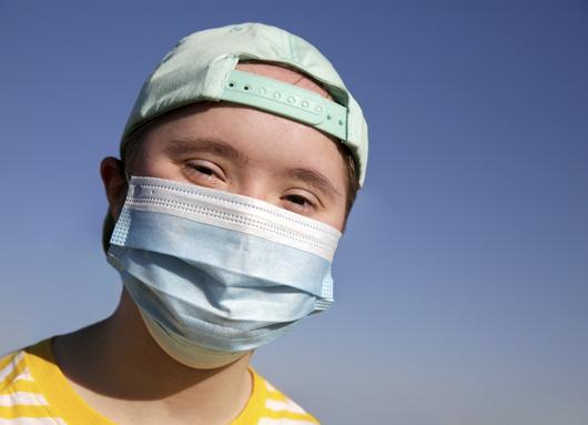 Secretaria de Saúde informa sobre vacinação de pacientes com Síndrome de Down