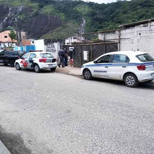 Mais sete ferros-velhos são notificados pela Prefeitura de Caraguatatuba