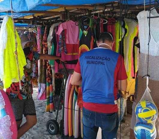 Prefeitura de Caraguatatuba intensifica fiscalização a ambulantes nas praias para coibir abusos
