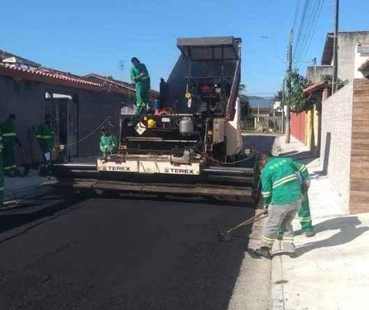 Pavimentação: Obras avançam por todo o município e Golfinho recebe 10 novas ruas