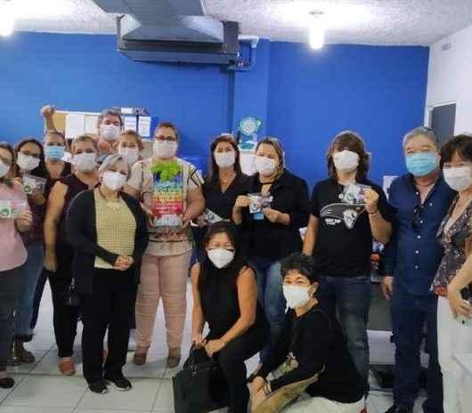 Homenagem: movimento entrega 'tsurus' para profissionais da Saúde de Caraguatatuba
