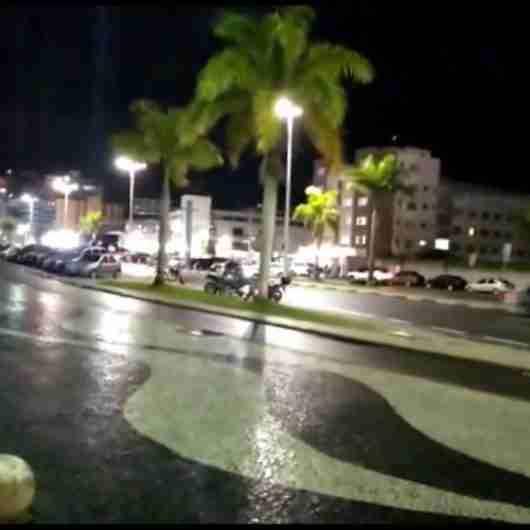 Prefeitura de Caraguatatuba fiscaliza 130 estabelecimentos e autua 1 por falta de licença
