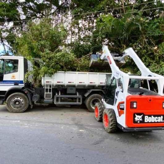 Prefeitura de Caraguatatuba retira 245 toneladas de resíduos no bairro Barranco Alto, região sul da cidade