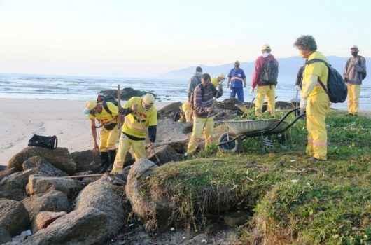 Operação Praia Limpa recolhe 55 toneladas de resíduos nesta sexta-feira (25)
