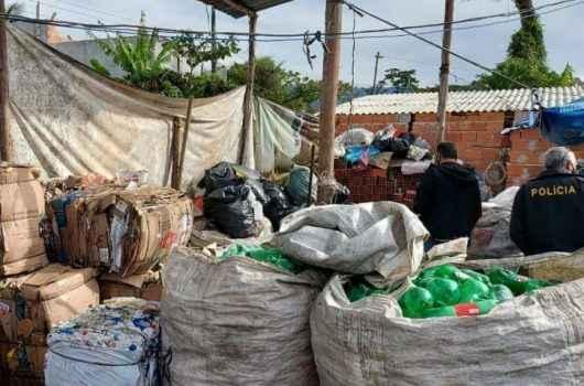 Fiscalização: Prefeitura de Caraguatatuba notifica mais três ferros-velhos na região sul