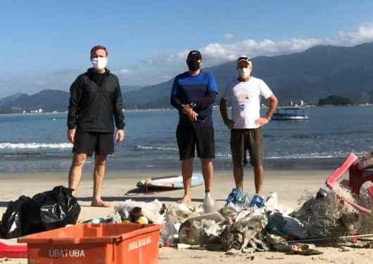 Prefeitura de Caraguatatuba faz ação ambiental na Ilha do Tamanduá e retira 60 quilos de lixo