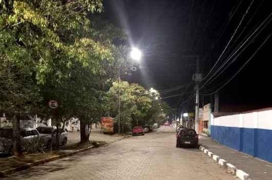 Caraguá Luz inicia instalação de 68 luminárias LED na Avenida Brasília