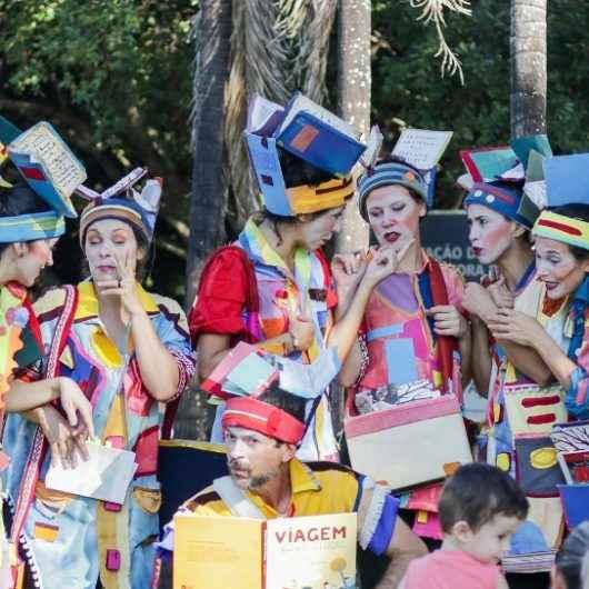 Projeto Giralua para Crianças apresenta intervenção literária 'Cabeças de Livro'