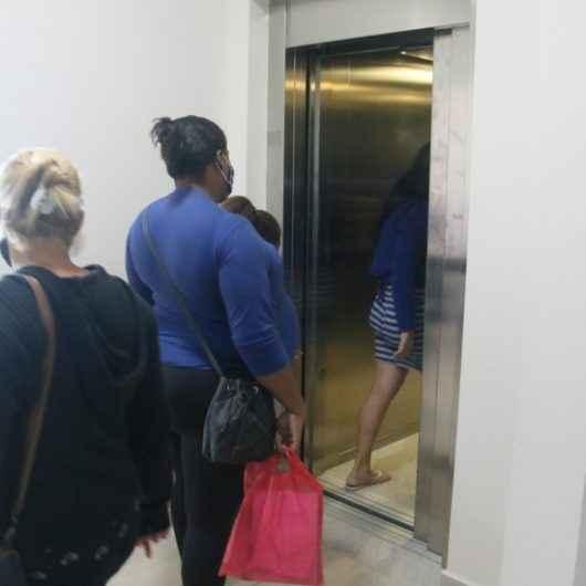 Prefeitura e EDP concluem reparos na rede de energia elétrica do Pró-Mulher e elevador entra em operação