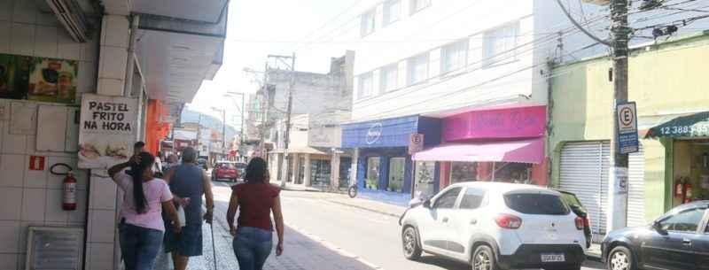 Comércio de Caraguatatuba tem novo horário de funcionamento e taxa de ocupação a partir de domingo