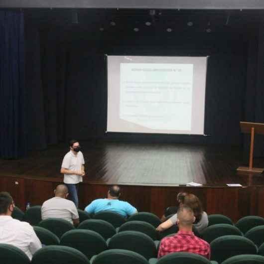 Novos representantes da CIPA da Prefeitura de Caraguatatuba aprendem sobre atribuições da comissão