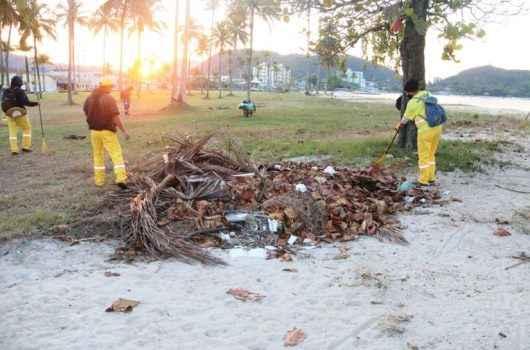 Operação Praia Limpa retira 33 toneladas de resíduos da região Central