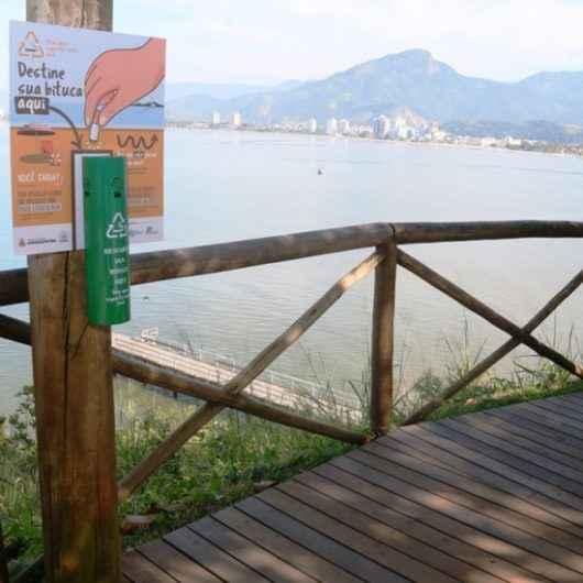 Conscientização ambiental reduz número de bitucas de cigarro nas praias e pontos turísticos de Caraguatatuba