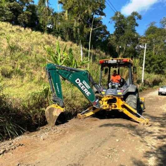 Prefeitura realiza melhorias na estrada do Poço da Anta