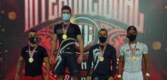 Com 10 pódios, Caraguatatuba é destaque em campeonato internacional de Jiu Jitsu