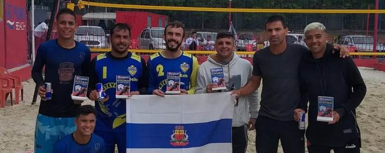 Caraguatatuba domina campeonato de futevôlei em Taubaté