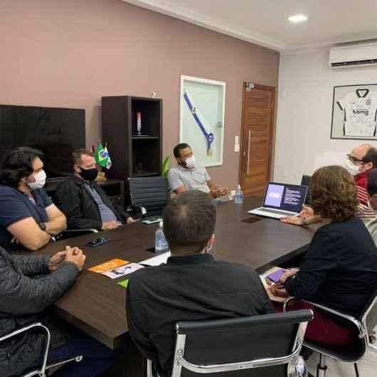 Prefeito de Caraguatatuba alinha novas parcerias com Associação Comercial